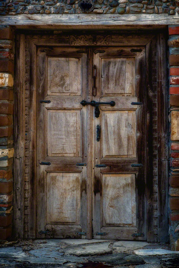 Door at Georis Winery